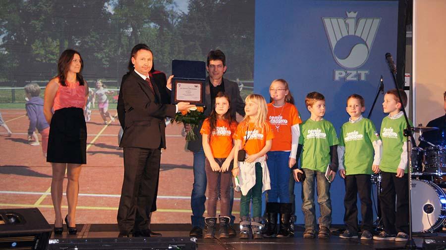 Wręczenie nagrody dla KS Tennis Life na Gali w Marriocie